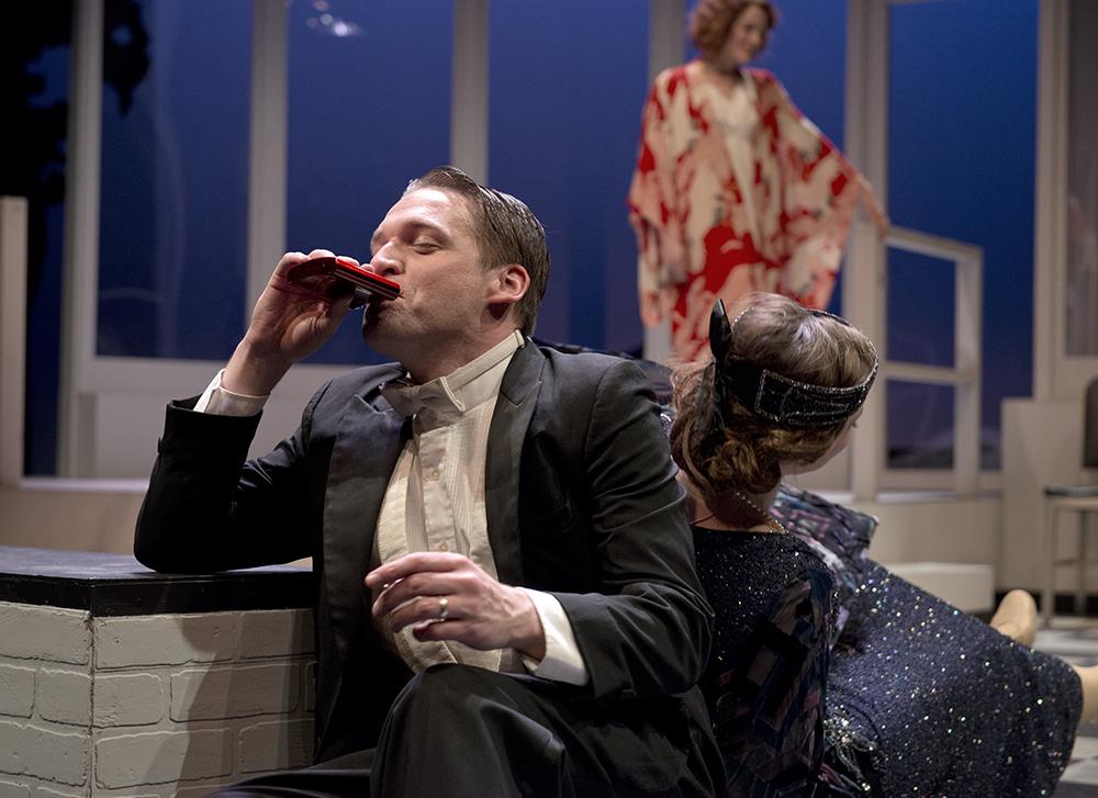 Scott and Zelda, flapper era and ever present alcohol